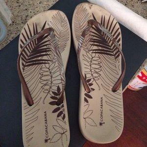 Copoacabana flip flops size 9